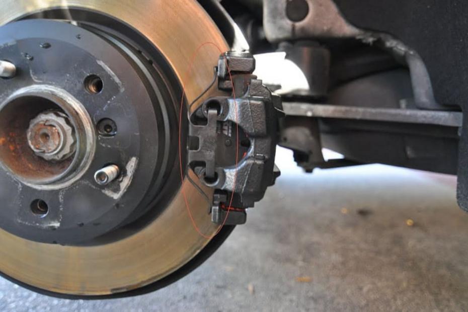 E90 Rear Brake Pad Replacement