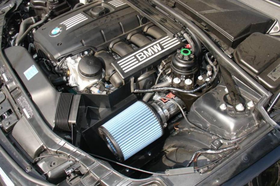 N52 Injen Performance Intake